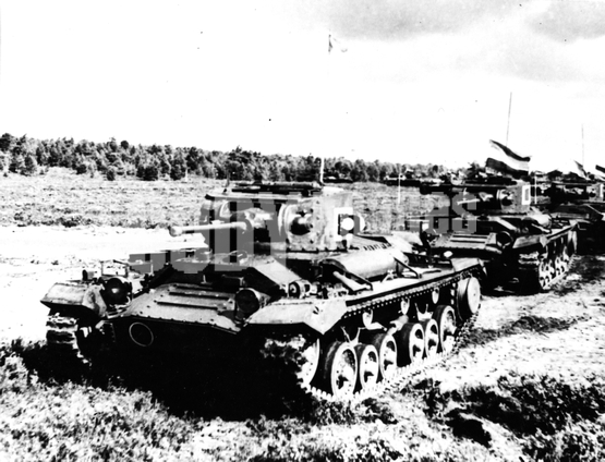 Weapons - Land - Tanks - Medium - Valentine MK III Exercise
